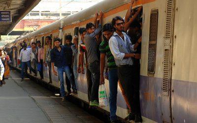 ¿Cómo Viajar de Delhi a Agra para ver el Taj Mahal en Tren?